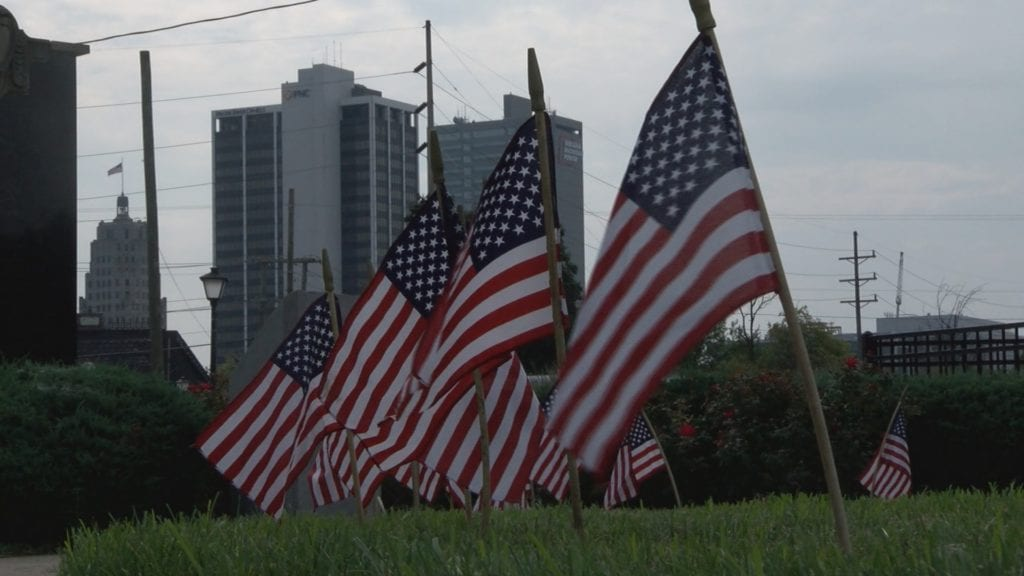 AMERICAN-FLAGS-IN-THE-FORT