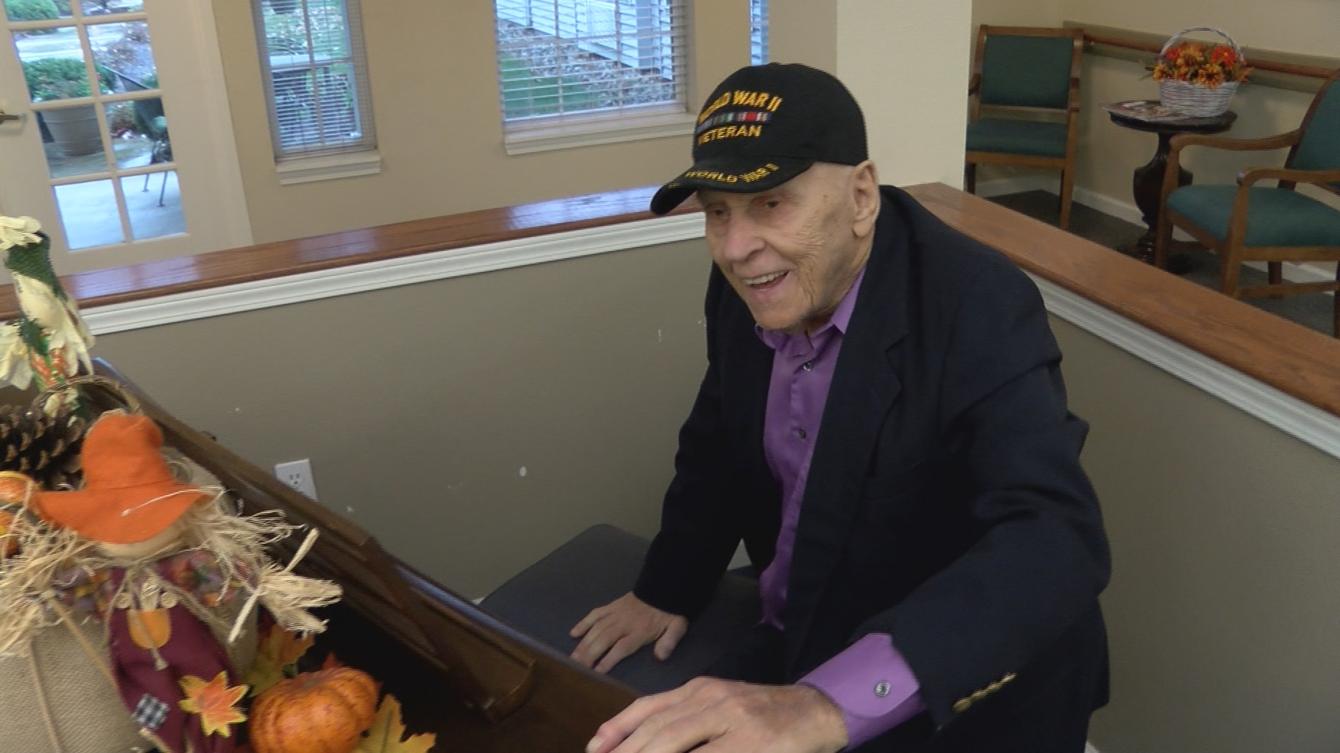 Local World War II Veteran Entertains Retirement Home with Piano Every Morning