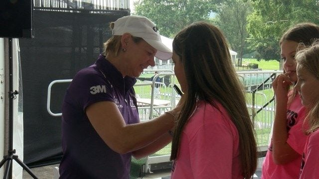 Sorenstam hosts UHS Golf Expo, hopes to inspire young girls
