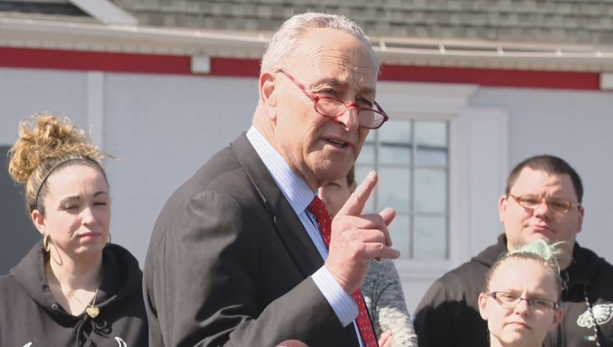 Sen. Schumer seeks to amend WARN Act after Friendly's closures
