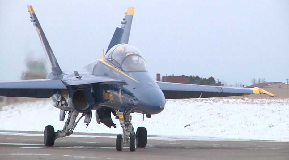 U.S. Navy Blue Angels touch down in Duluth Wednesday ...