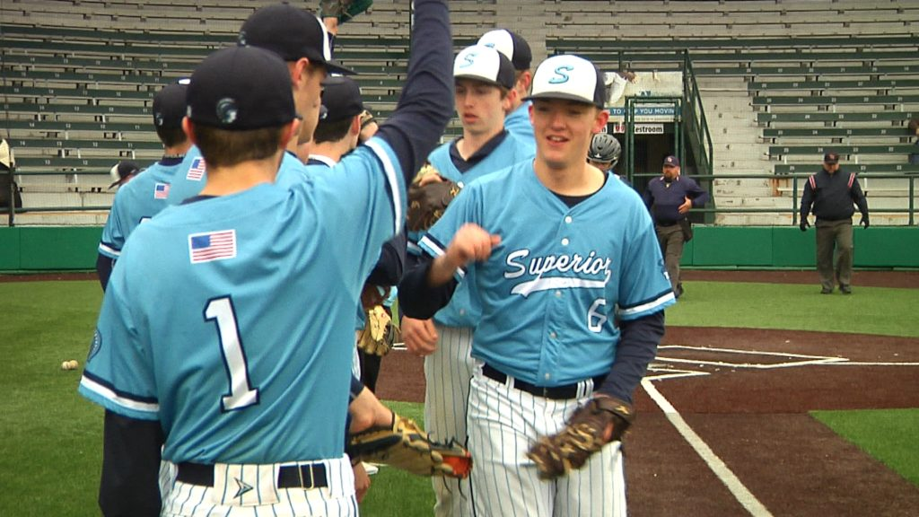 Spartans hold-off Hunters on a soggy Monday
