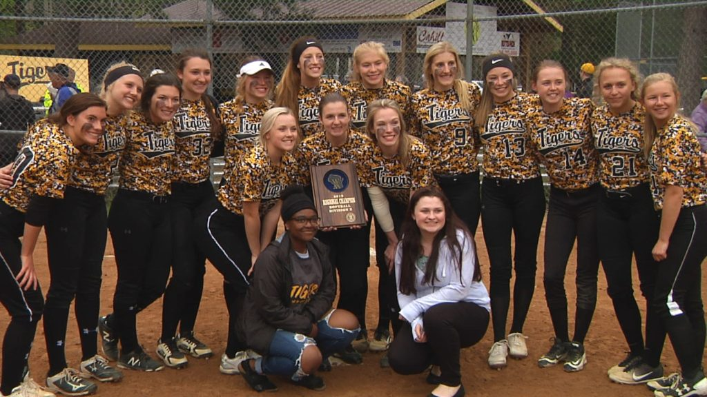 Luoma mows down Beavers to claim Regional title, Cardinals eliminate Spartans