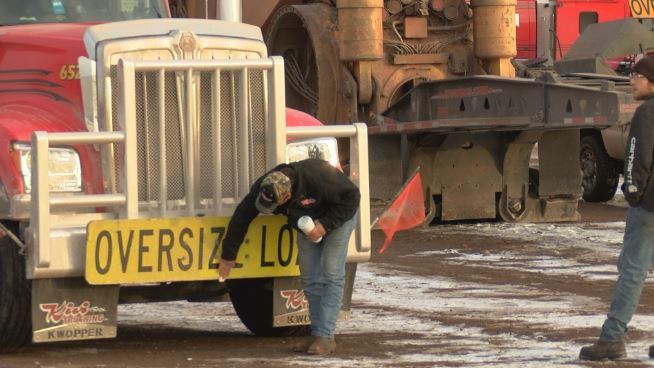 Semi-trucks move mining truck to the Iron Range - KBJR 6