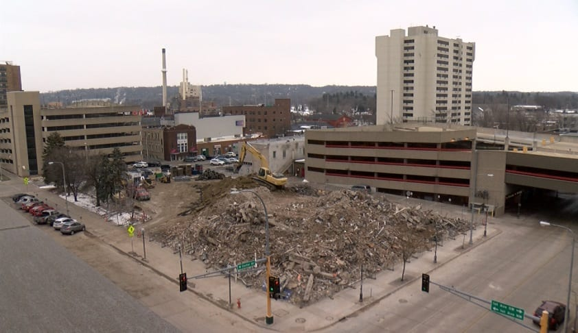 historic days inn hotel now pile of rubble kttc. Black Bedroom Furniture Sets. Home Design Ideas