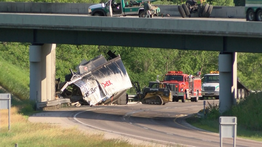 UPDATE: I-90 reopens following crash in Winona County - KTTC