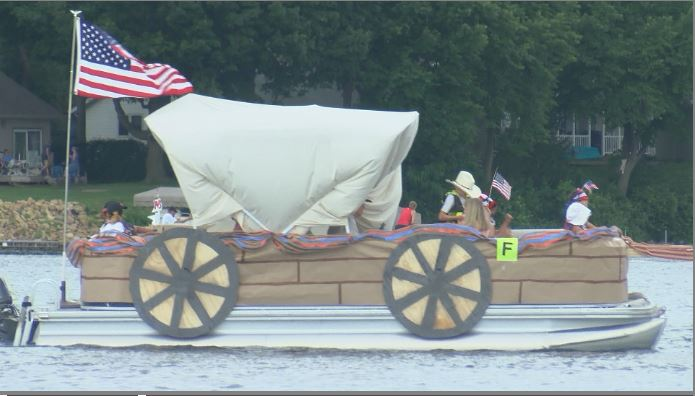 20ac56f13df75 Elysian Boat Parade makes waves in July 4th celebration