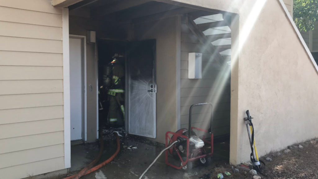 No injuries reported in apartment fire on east side