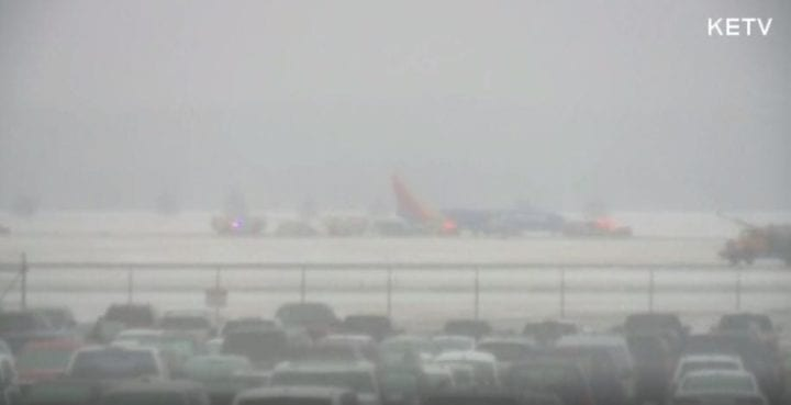 UPDATE: Eppley Airfield reopens after aircraft goes off runway