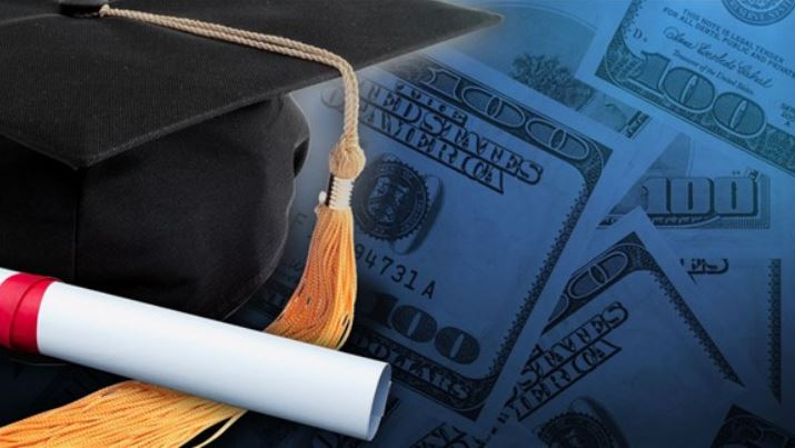 Graduation gift spending expected to exceed $5 billion this year
