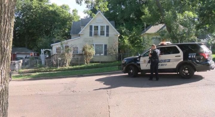 One person in custody after Sioux City Police serve arrest warrant at West 14th St.