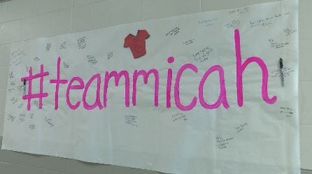 Kenyon-Wanamingo shows support for severely injured student