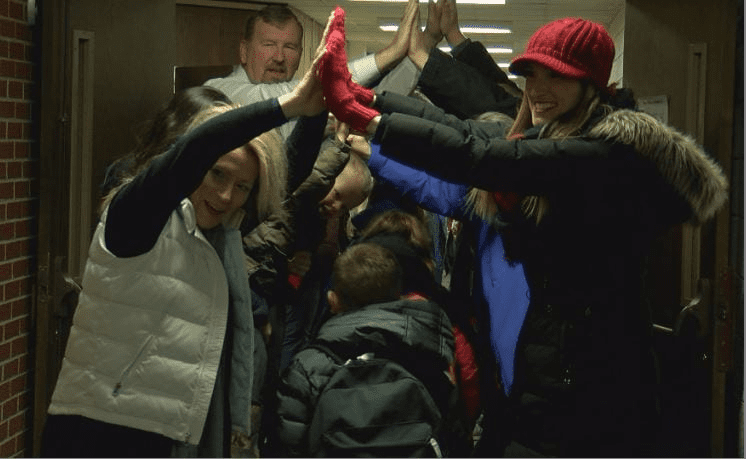"""""""Kindness Tunnel"""" welcomes Hayfield Elementary students"""