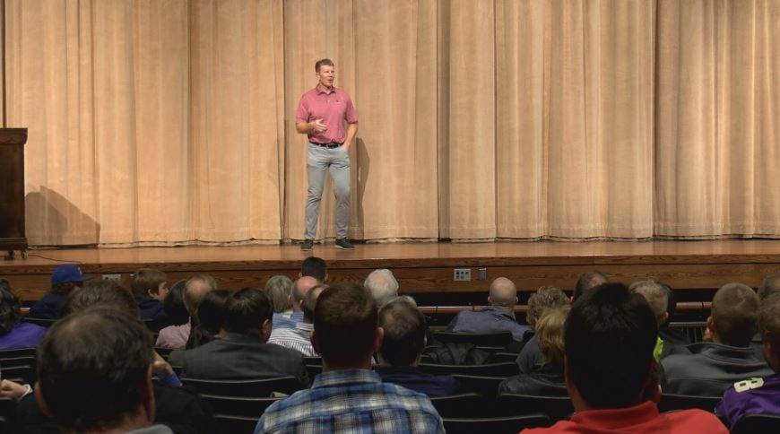 Former Vikings Pro Bowler visits Rochester to talk faith and football