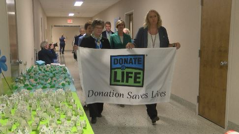Walk of remembrance held to honor organ, tissue, and eye donors