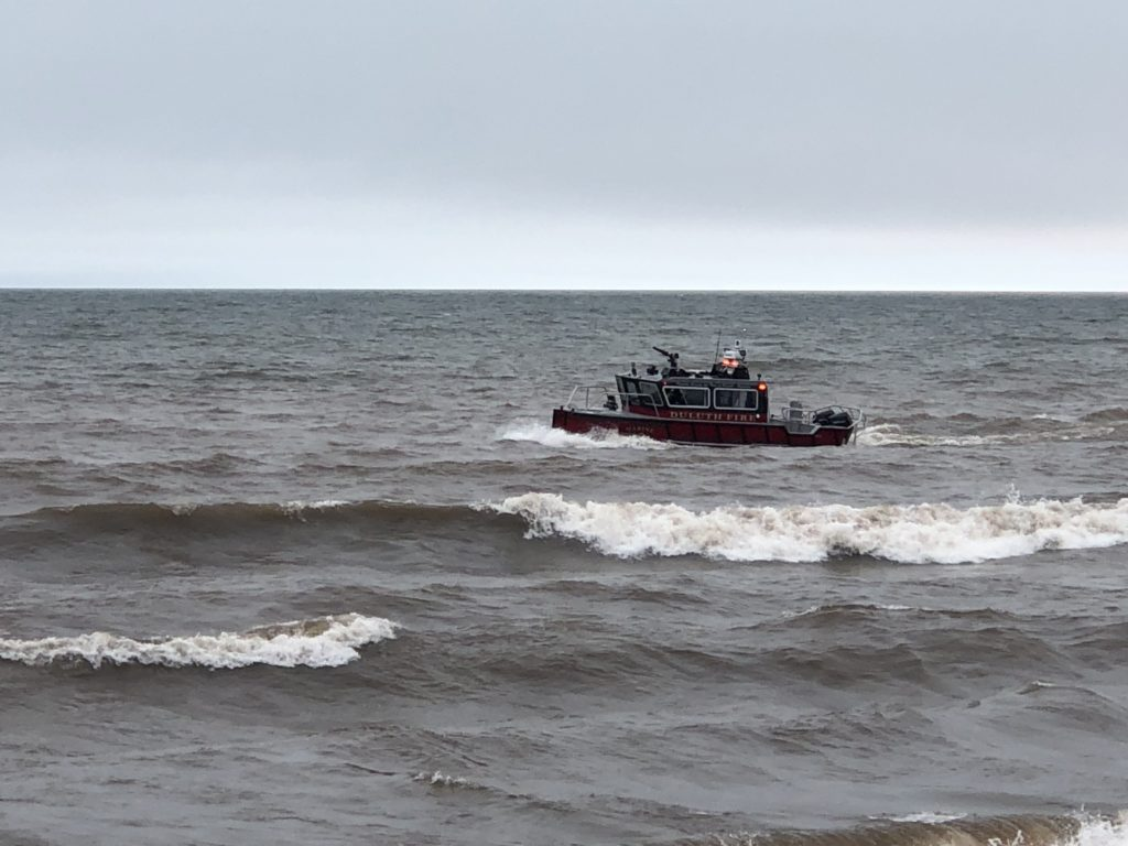 Duluth fire boat in lake Superior