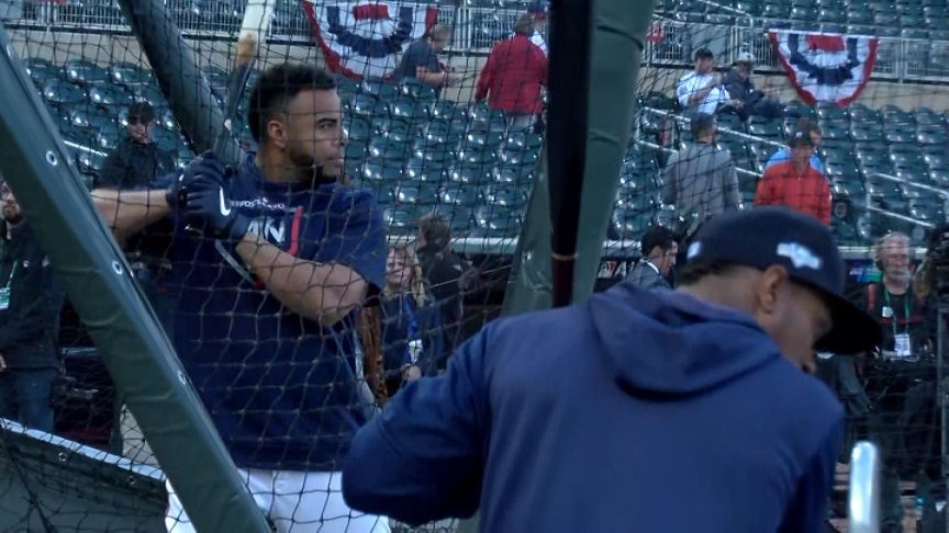 Twins batting practice at Target field Game 3 ALDS