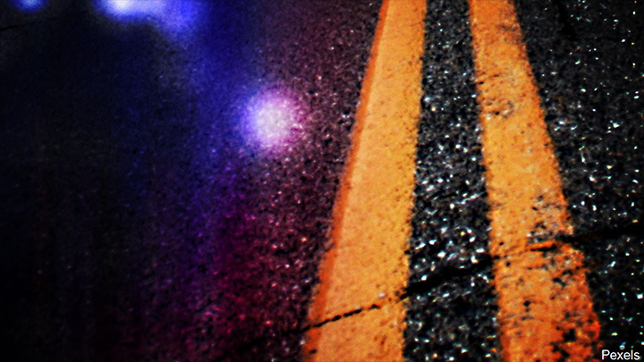Hiawatha teen hurt in car crash