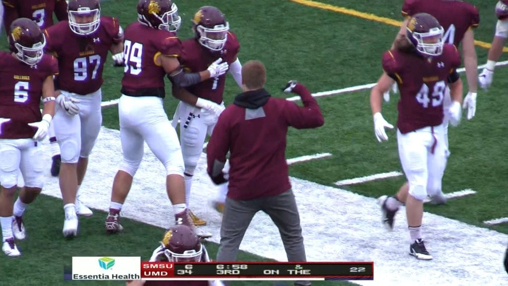 #6 UMD remains unbeaten defeating SW Minnesota State 42 to 13