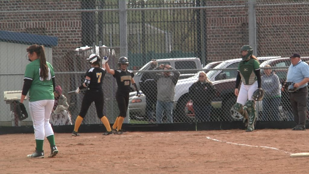 HIGHLIGHTS: Duluth Marshall moves on in section tournament