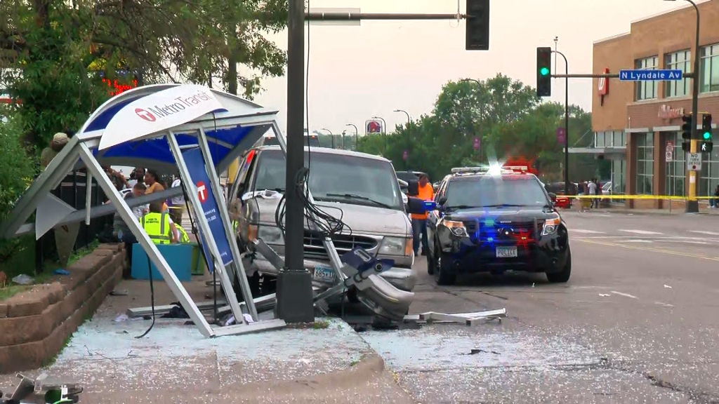 6 injured, 3 critically in Minneapolis bus stop crash