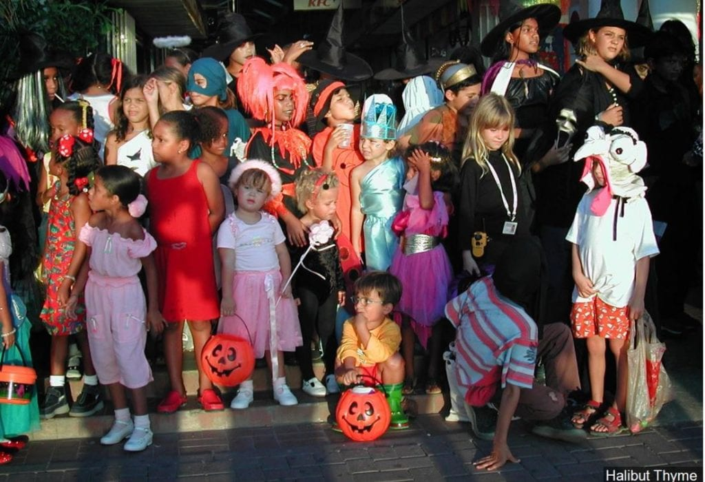 Virginia town ordinance threatens teen trick-or-treaters ...