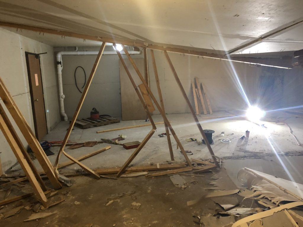 Madison Dodges Weather Bullet As >> Woman Nearly Falls Through Floor During Madison Apartment Collapse