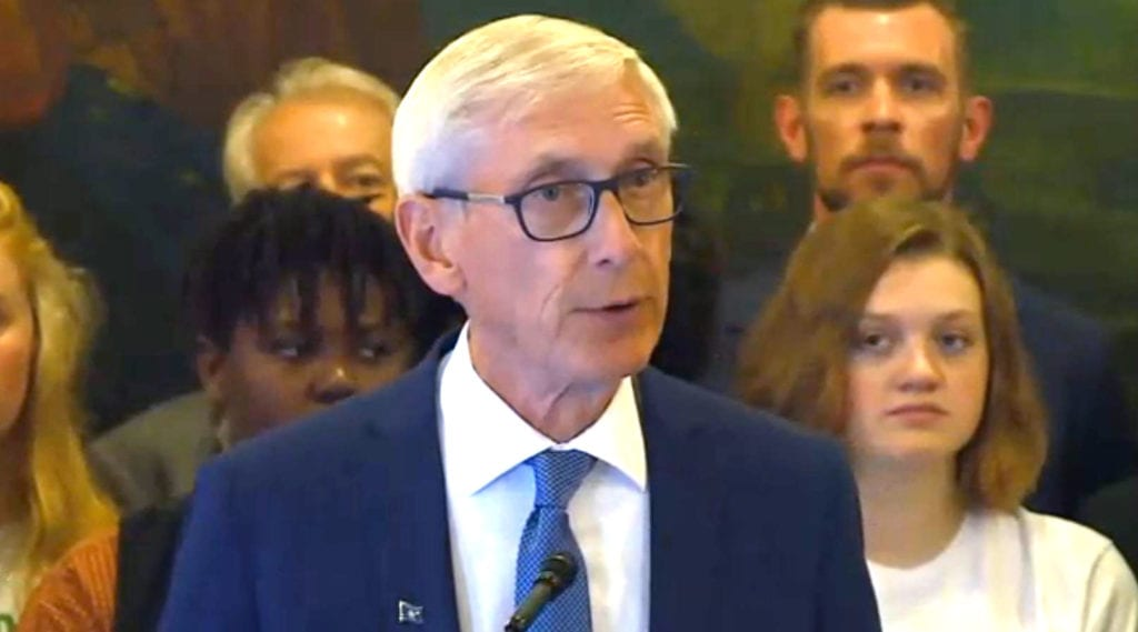 Gov. Evers signs order to make electricity carbon-free by 2050 - WKOW