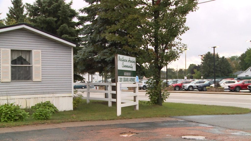 Schofield puts new deadline on mobile home park - WAOW