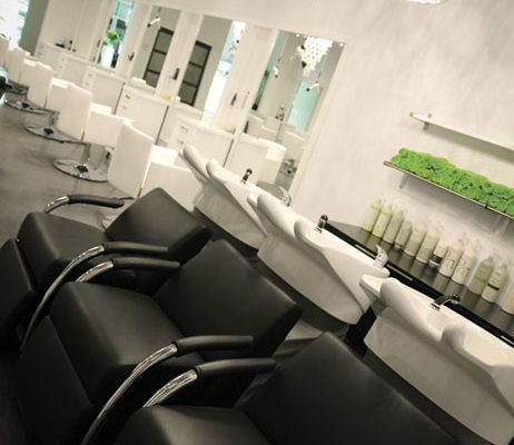 12 04 capelli salon interior 1
