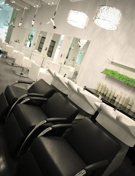12 04 capelli salon interior 1