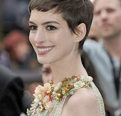 12 07 anne hathaway dark knight crop hair cut