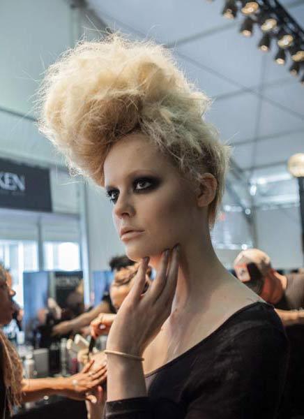 12 09 fall 2012 hair trends runway 7