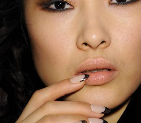 12 09 fall nail trends runways 2012 1