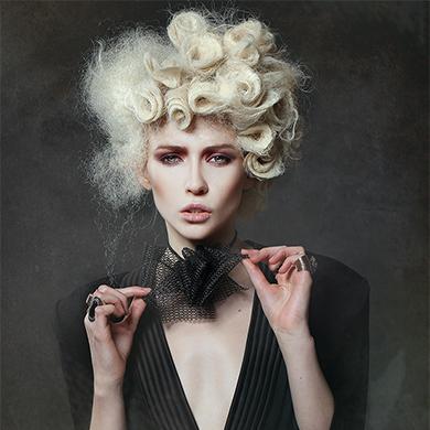 Contessa 32 Finalist Collection – Julie Vriesinga