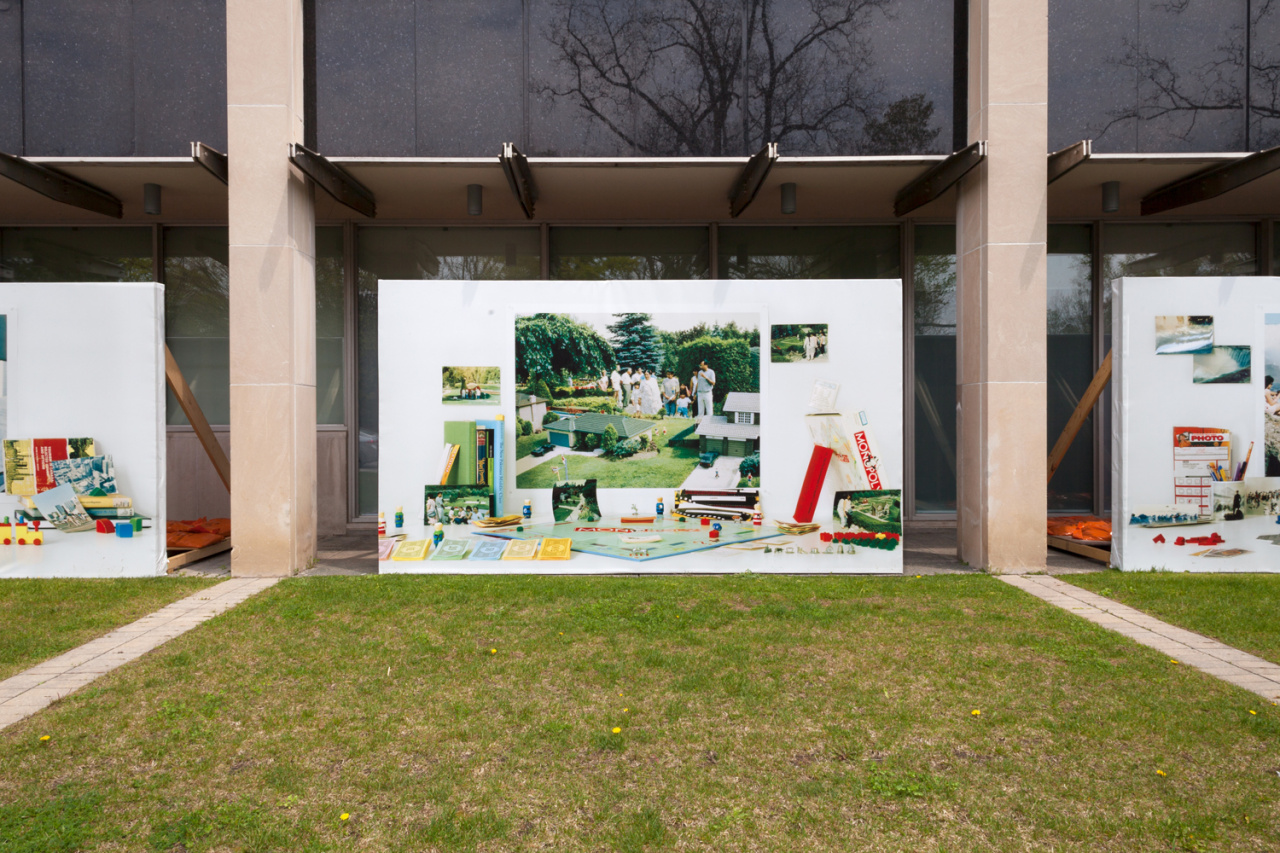 Zinnia Naqvi, Yours to Discover, Installation at Peel Art Gallery Museum and Archives, southwest façade, Toronto, 2019. Courtesy of the artist.