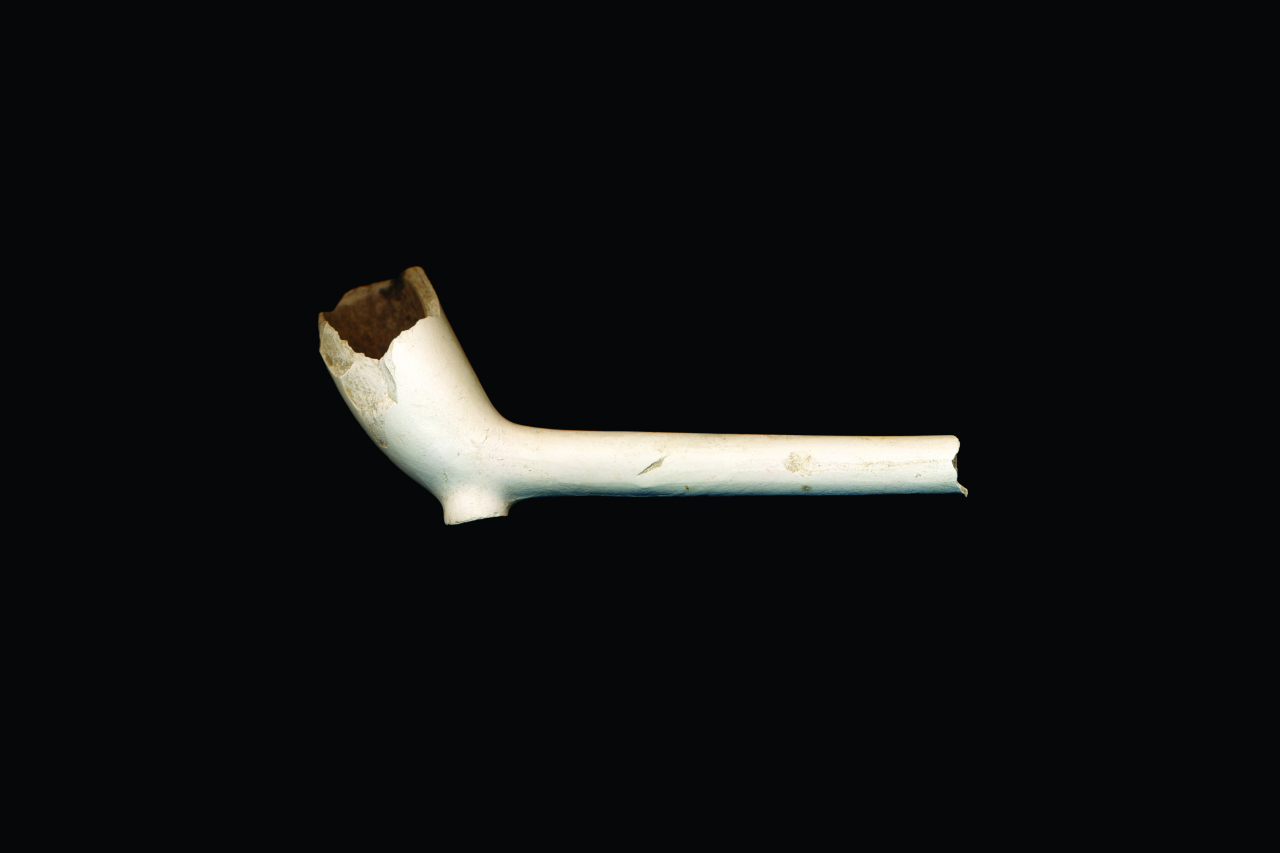 Nadia Myre, Pipe, 2017. From the series Code Switching. Courtesy of the artist and Art Mûr.