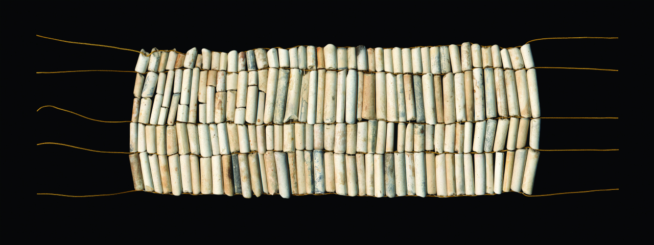 Nadia Myre, Pipe Beads, Courtesy of the artist and Art Mûr.