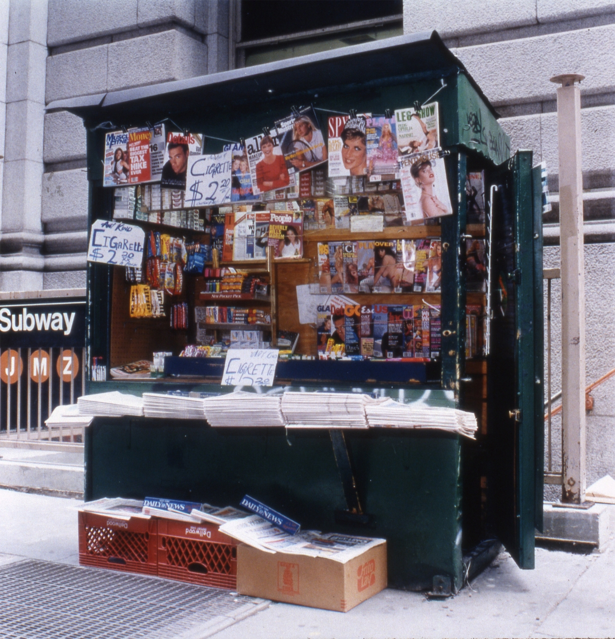 Moyra Davey, Newsstand No.9, 1994. Courtesy the artist; Galerie Buchholz, Berlin/Cologne/New York; and greengrassi, London.