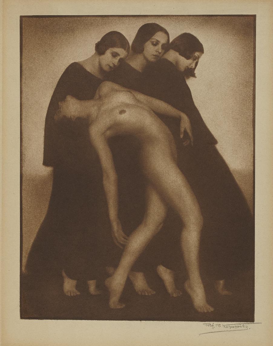 Rudolph Koppitz, Bewegungsstudie, 1926. Bromoil print, Overall: 59.8 × 43.8 cm. Gift of Patricia Regan, in memory of Dr. Arthur Rubinoff, 2013 © Art Gallery of Ontario 2013/373. AGO.110151.d