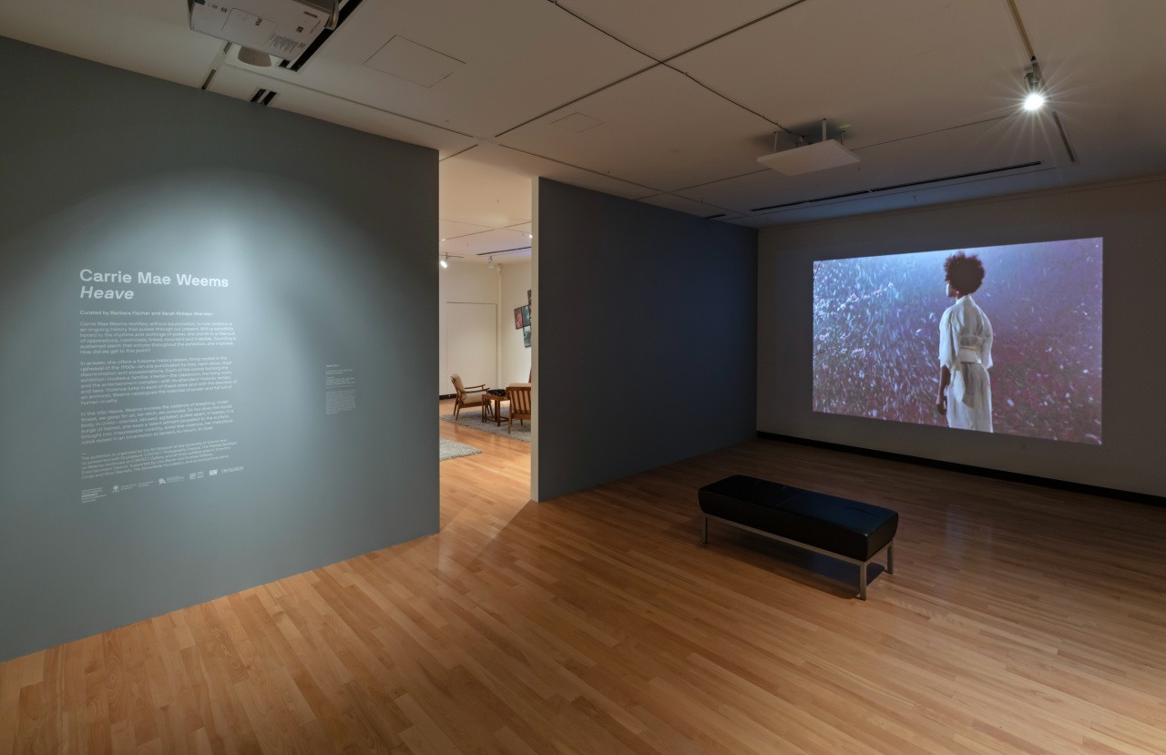 Installation view, Carrie Mae Weems, Heave, Photo: Toni Hafkenscheid. Courtesy the Art Museum at the University of Toronto, the artist, and Jack Shainman Gallery, New York, NY.
