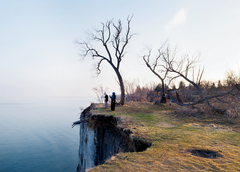Robert Burley, Scarborough Bluffs Park, 2014. Courtesy of the Stephen Bulger Gallery.