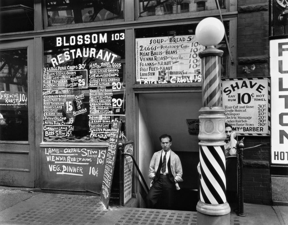 Berenice Abbott, Blossom Restaurant, 103 Bowery, New York City, October 24, 1935 © Berenice Abbott/Commerce Graphics