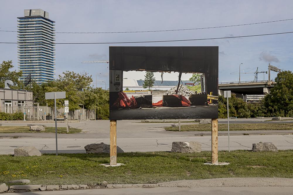 Installation view, Vid Ingelevics & Ryan Walker, Framework, 2020. Public Installation at 312 Cherry St & Villiers St Median, Toronto. Photo: Toni Hafkenscheid. Courtesy of Scotiabank CONTACT Photography Festival