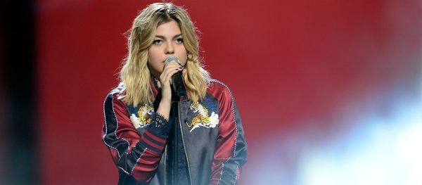 Louane Emera A Deeply Moving Song In Tribute To Her Parents Disappeared Gala The Siver Times