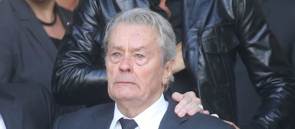"""I have my grave in my chapel"" when Alain Delon talks ..."