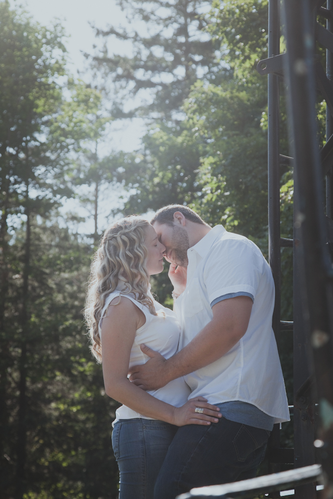 Blue-Mountain-engagement-photos-13