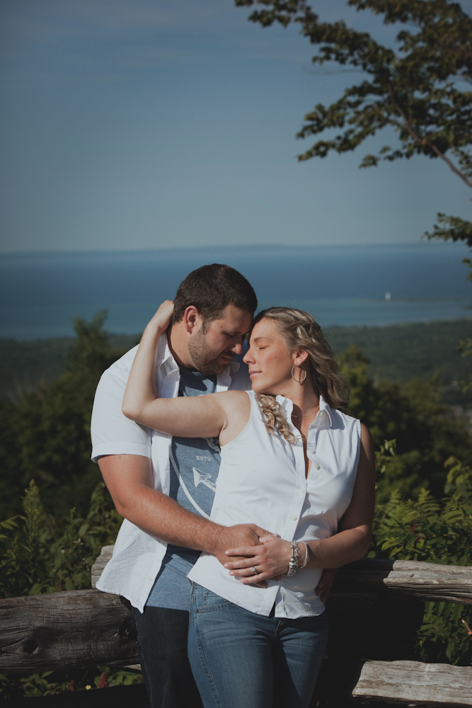Blue-Mountain-engagement-photos-09