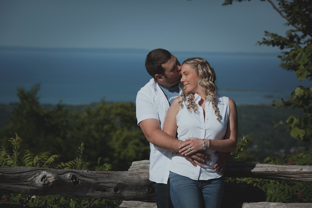 Blue-Mountain-engagement-photos-08