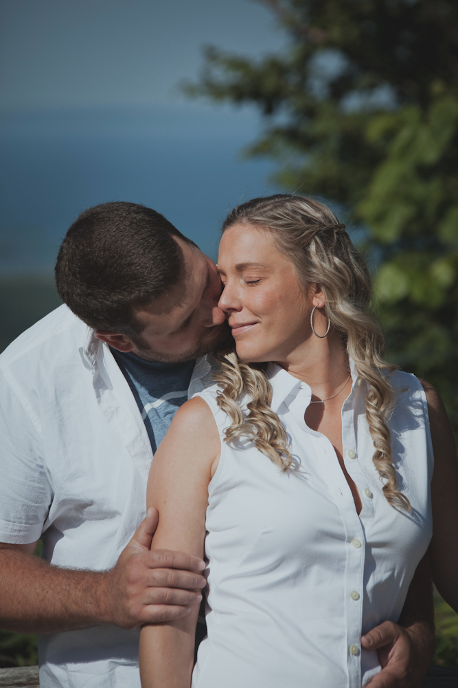 Blue-Mountain-engagement-photos-06